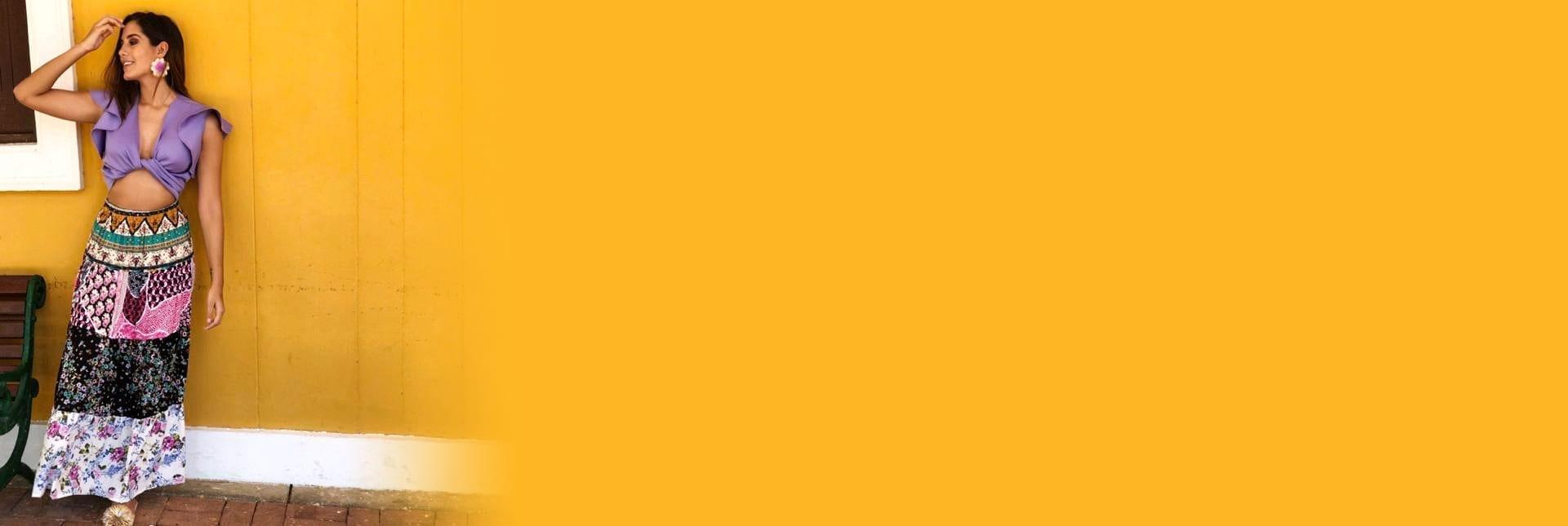 banner home antigona blusa anastasia morado fondo amarillo