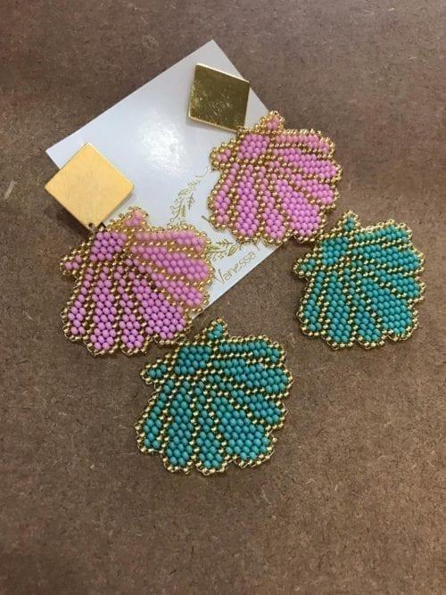 conchas-de-mar-tejidas-dobles-con-topos-en-bronce-con-baño-de-oro